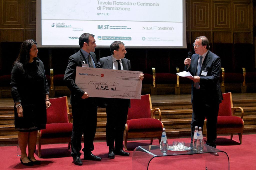 NanoChallenge AwardWinner 2011 03